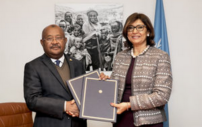 Hamada Madi, Secrétaire général de la COI, et Maria Helena Semedo, directrice générale adjointe de la FAO - (c) FAO, novembre 2018.