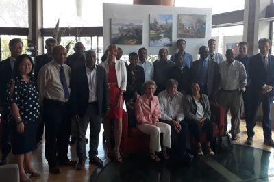 Photo-de-groupe-des-participants-au-sixième-Comité-de-pilotage