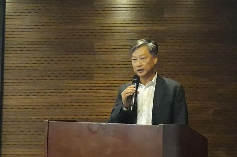 Le chef du programme ENERGIES, Marc Kwai Pun, a donné un aperçu de l'action du programme aux participants.