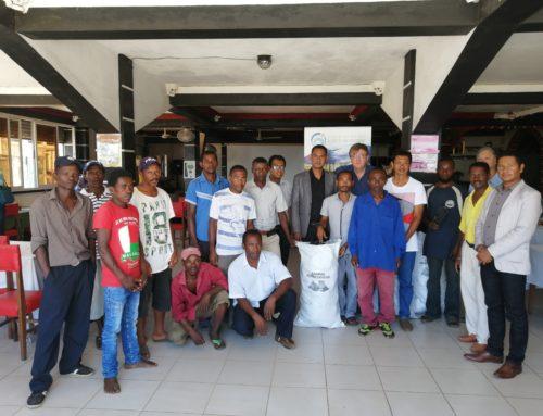 La COI forme des charbonniers de l'île Sainte-Marie aux techniques de carbonisation améliorée