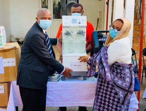 Covid-19 : remise d'équipements médicaux pour les Comores, Madagascar et les Seychelles