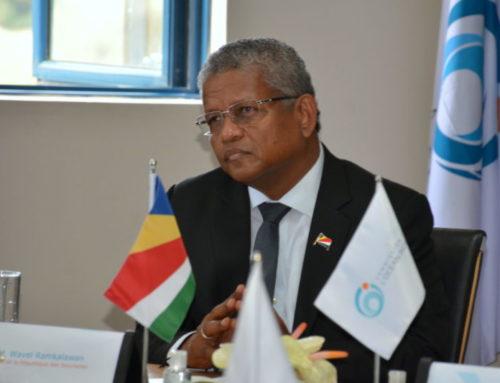 Le président seychellois Wavel Ramkalawan en visite à la COI